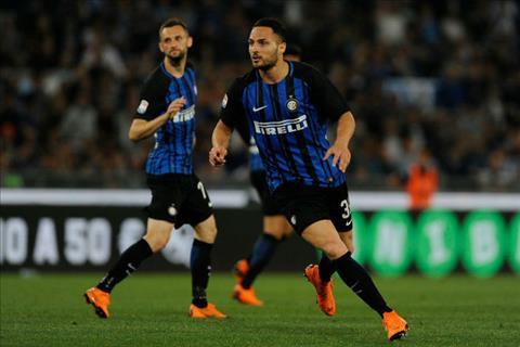 Bi dan truoc suot 78 phut nhung Inter Milan van chien dau kien cuong va gianh tam ve du Champions League ngay tren san Lazio