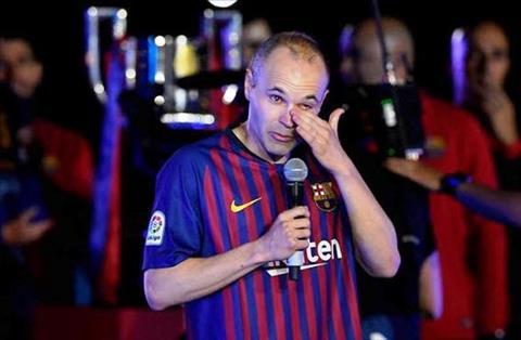 Iniesta bat khoc khi chia tay Barca