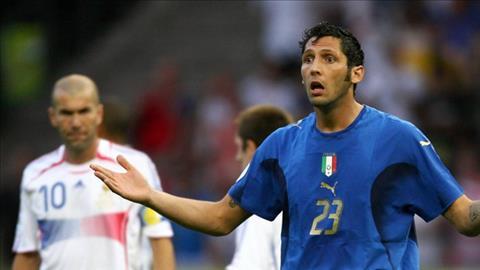 Marco Materazzi khang dinh anh khong xuc pham me ma la chi cua Zidane. Anh: Eurosport.