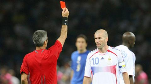 Nhìn lại scandal Zidane ở World Cup 2006: Cú húc đầu và những tiếng nghiến răng oán hận