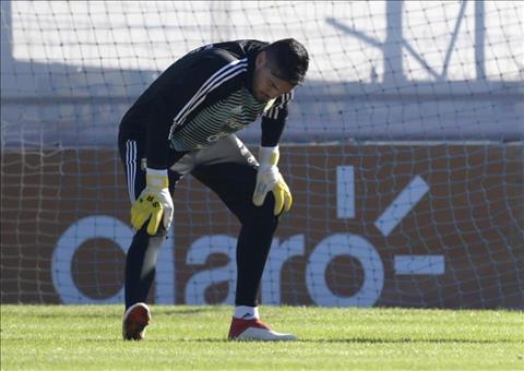 Hé lộ âm mưu đẩy thủ môn Romero của MU khỏi World Cup 2018 hình ảnh