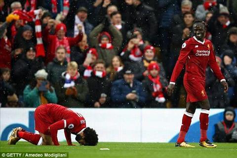 Mohamed Salah nhin an uong trong thang le Ramadan.