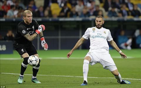 Benzema ghi bàn trận chung kết C1 May mắn ư Không hề hình ảnh