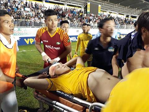 Hoang Van Khanh phai khau 15 mui sau pha va cham voi Dong Trieu.