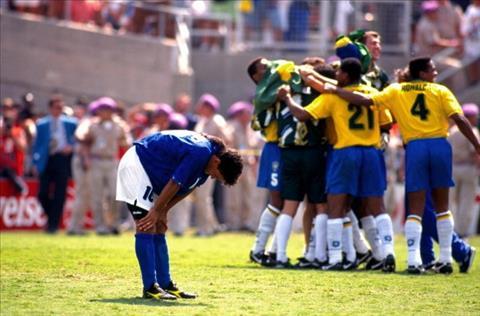 World Cup 1994 Cái cúi đầu ám ảnh của Bobby hình ảnh