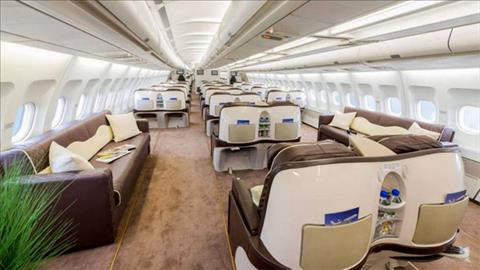 Airbus A340 duoc lam lai khoang hanh khach. Anh: NS.
