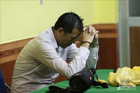 HLV Nguyễn Đức Thắng lên kế hoạch chia tay SLNA sau trận thua Hà hình ảnh