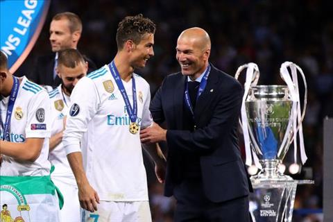 Ronaldo phat bieu ve Zidane