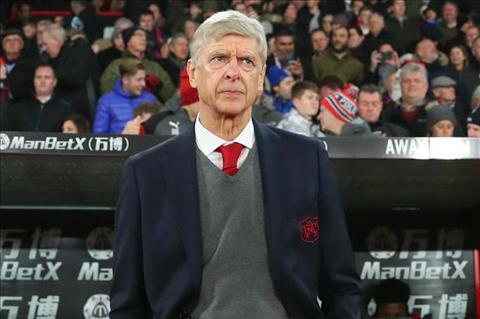 HLV Wenger tai Arsenal