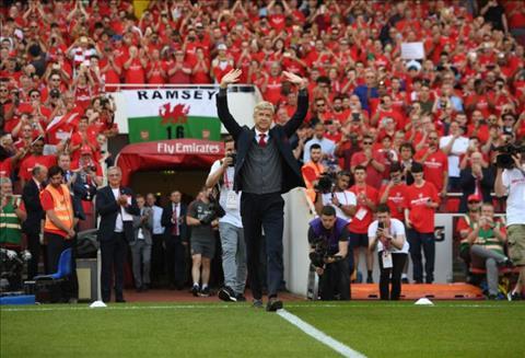 HLV Arsene Wenger tam biet san Emirates sau tran dai thang Arsenal 5-0 Burnley