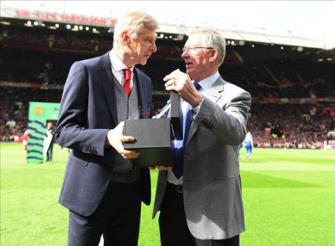 Wenger phat bieu ve Sir Alex