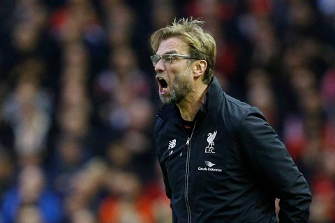 Klopp hoan toan co the doi mat vien canh Liverpool trang tay
