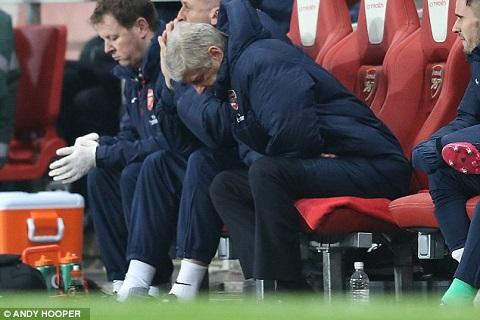 Góc nhìn Arsene Wenger khốn khổ thật ảnh 2