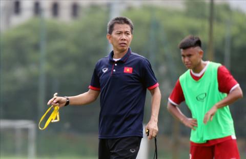 HLV Hoàng Anh Tuấn tức giận với các cầu thủ U19 Việt Nam hình ảnh