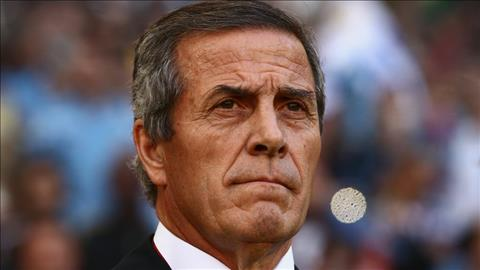Oscar Tabarez noi ve tran Ai Cap vs Uruguay
