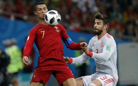 Trung vệ Pique nói Ronaldo ăn vạ trận BĐN 3-3 TBN hình ảnh