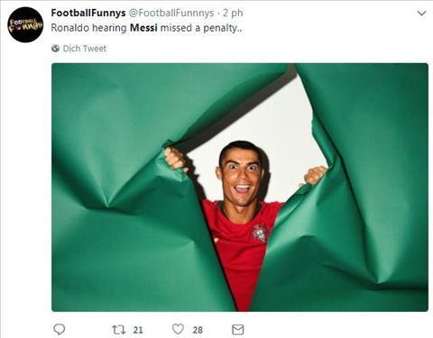 Ve mat cua Cristiano Ronaldo khi nghe tin Messi vua da hong 1 qua 11 m