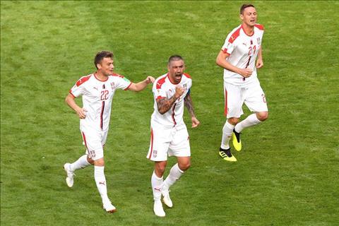 Kolarov ghi ban cho Serbia