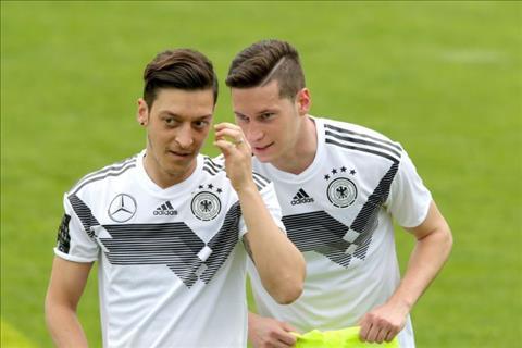 Draxler bảo vệ Ozil trước chỉ trích sau trận thua Đức 0-1 Mexico hình ảnh