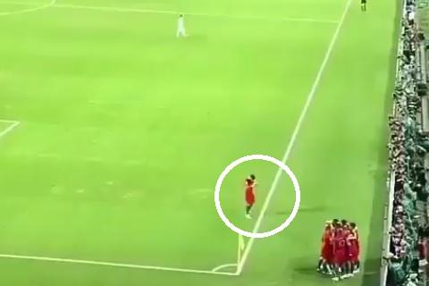 Hình ảnh ĐT Bồ Đào Nha ăn mừng bàn thắng