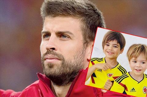 Hai con trai Pique mặc áo cổ vũ tuyển Colombia hình ảnh