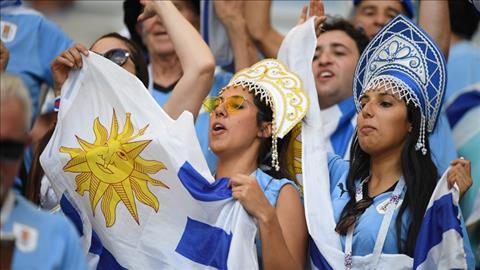 CDV Uruguay mang bau khong khi cuong nhiet tu ngoai san len khan dai.