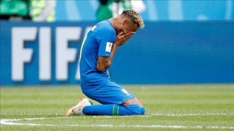 Đồng đội lý giải màn khóc nhè của Tiền đạo Neymar  hình ảnh