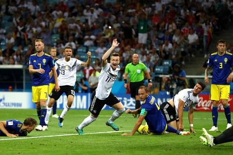 Marco Reus phát biểu về Mesut Ozil hình ảnh