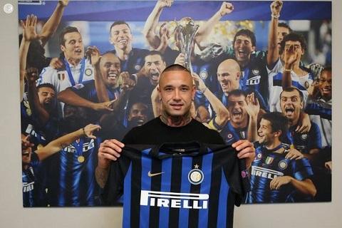 CHÍNH THỨC Radja Nainggolan gia nhập Inter Milan với giá bèo hình ảnh