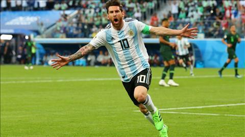Messi o tran Nigeria 1-2 Argentina
