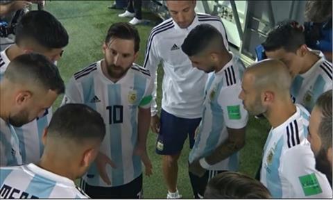Noi dung doan noi chuyen cua Messi voi dong doi trong gio nghi duoc Marcos Rojo tiet lo.