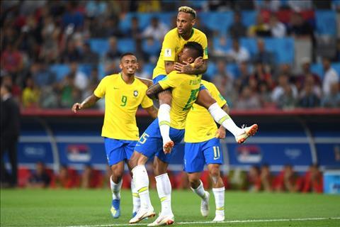 Brazil vuot qua Serbia 2-0