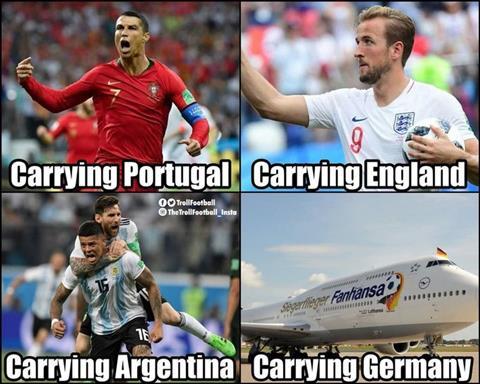Che cho Bo Dao Nha la Cristiano Ronaldo. Che cho Anh la Harry Kane. Che cho Argentina la Lionel Messi va Marcos Rojo. Con chuyen cho Duc la mot hang bay.