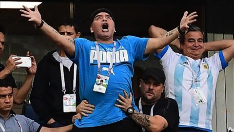 Maradona ở trận Argentina vs Nigeria xuất viện thách thức dư luận hình ảnh