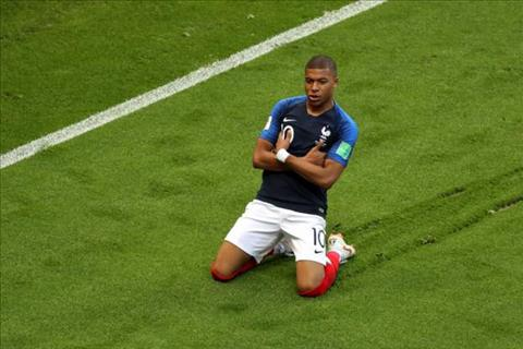 Pele chúc mừng Mbappe sau khi tỏa sáng trận Pháp 4-3 Argentina hình ảnh