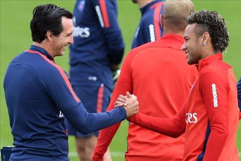 Arsenal chiêu mộ Lichtsteiner Emery đang học cách chấp nhận hình ảnh