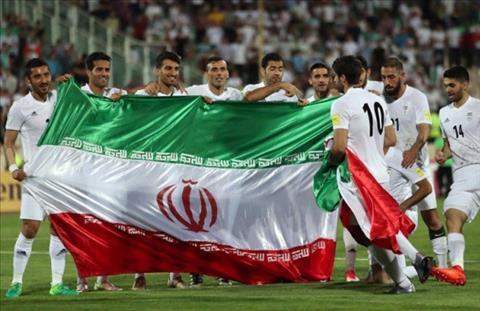 Iran vuot qua vong loai