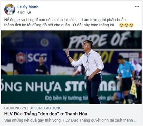 Le Sy Manh canh khoe HLV Duc Thang vi loai mot loat cau thu Thanh Hoa.
