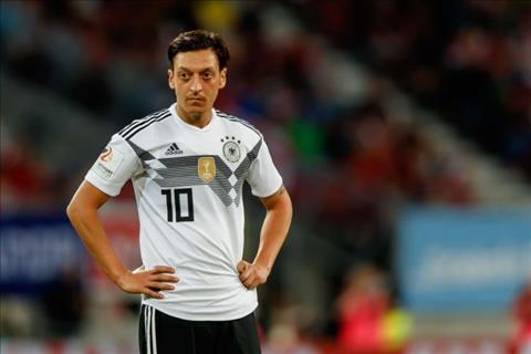 Mesut Ozil ở trận Đức 0-1 Mexico bị huyền thoại chỉ trích hình ảnh