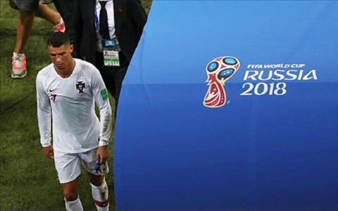 Ronaldo mot lan nua loi hen voi chuc vo dich World Cup. Anh: Reuters.