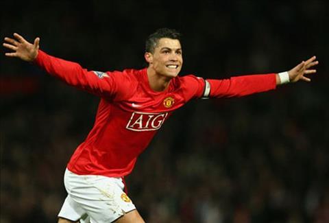 Voi 6 nam so huu Ronaldo, Man Utd thu ve 3 trieu euro trong ban hop dong 100 trieu euro giua Real Madrid voi Juventus.