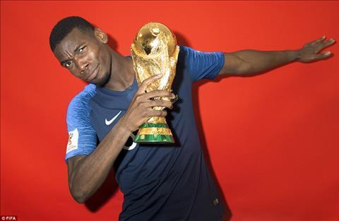 ĐT Pháp tạo dáng cùng cúp vàng World Cup 2018 hình ảnh