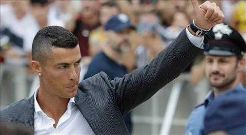 Juventus ban 520 nghin ao dau nho Cristiano Ronaldo.