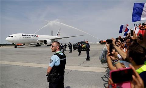 ĐT Pháp về nước được chào đón như nguyên thủ hình ảnh