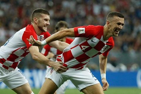 M.U hỏi mua 2 ngôi sao Croatia Rebic và Rakitic