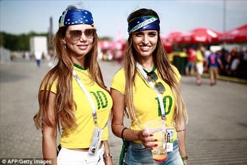 2 fan nu xinh dep cua DT Brazil