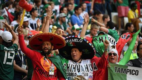 HLV Osorio cam on nguoi ham mo da dong hanh cung DT Mexico tai World Cup 2018.