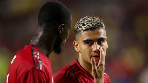 Pereira mong muốn đá chính cho MU hình ảnh
