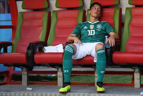 Arsenal ủng hộ tiền vệ Mesut Ozil chia tay đội tuyển Đức hình ảnh