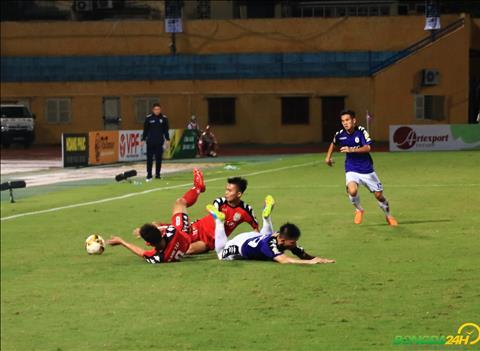 Ha Noi gap rat nhieu kho khan tren san nha truoc Binh Duong choi quyet liet.